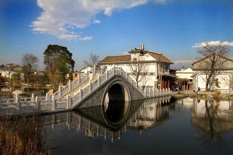 壁纸 风景 古镇 建筑 旅游 桥 摄影 900_600