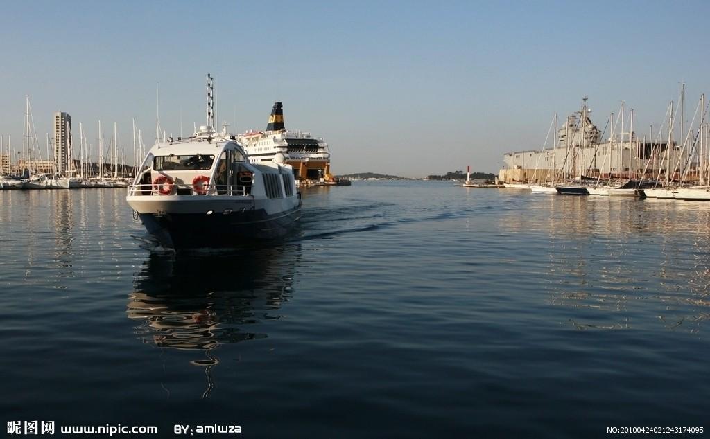 土伦PPT背景图片免费下载是由PPT宝藏(www.pptbz.com)会员zengmin上传推荐的风景PPT背景图片, 更新时间为2017-01-10,素材编号118490。 土伦(Toulon)是瓦尔省省会,位于马赛以东65公里处,法国东南部滨地中海的港湾都市,地理坐标4308N、555E,面积42.82平方公里。 土伦在土伦湾内,半岛环抱。人口17.