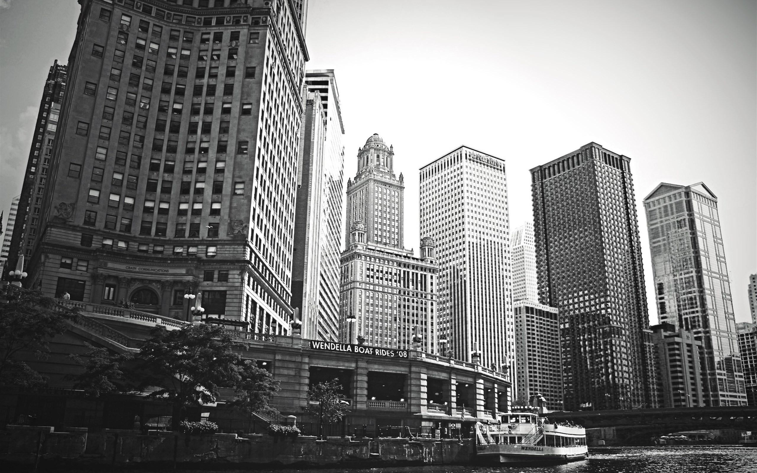好评:%() 差评:%() 素材预览 下载地址 城市高楼建筑黑白摄影ppt背景