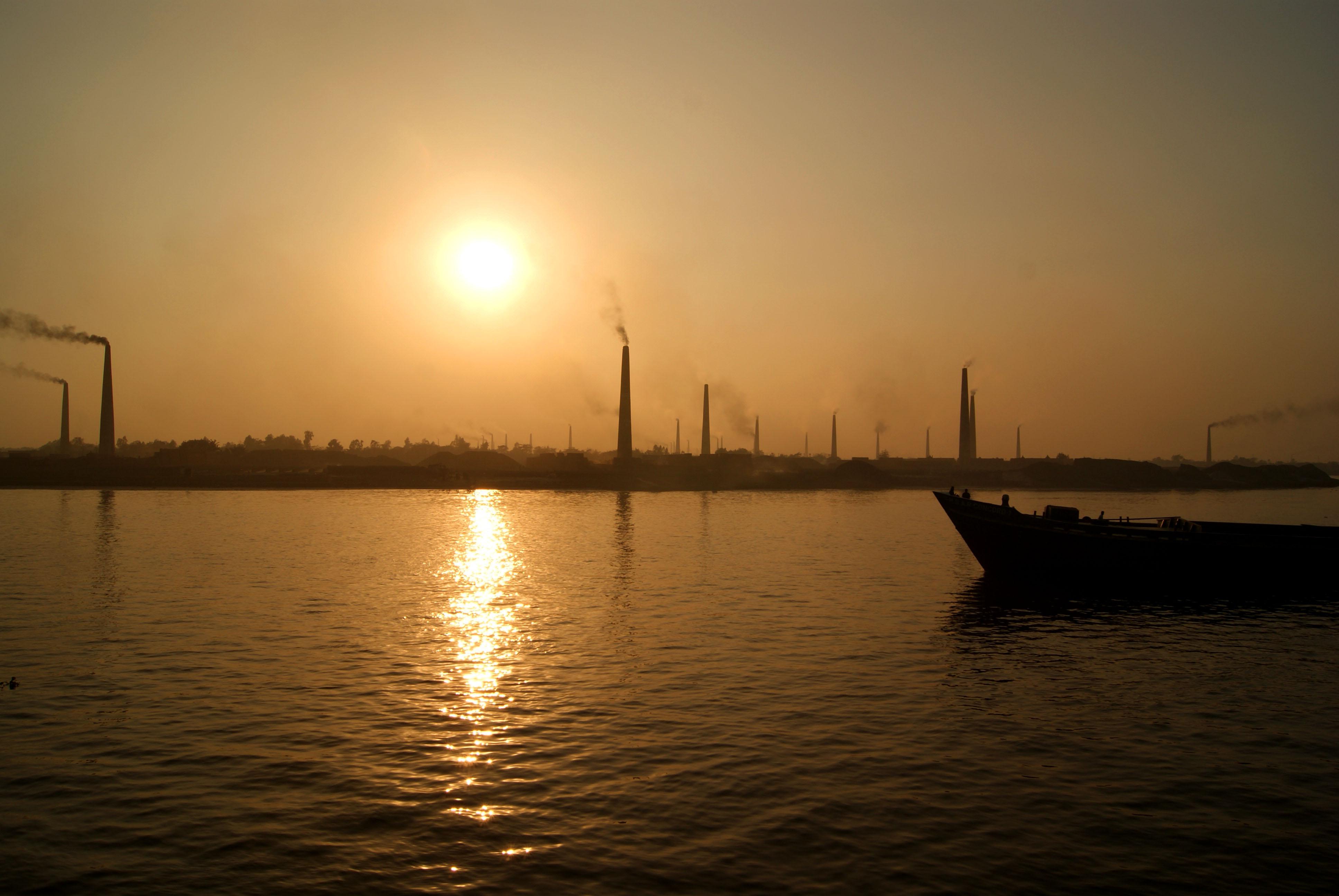 首页 ppt背景 风景ppt背景图片 > 孟加拉ppt背景图片  下载地址