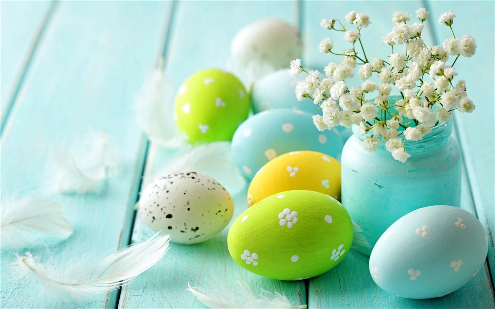 小清新静物高清彩蛋PPT背景图片免费下载是由PPT宝藏(www.pptbz.com)会员zengmin上传推荐的简约PPT背景图片, 更新时间为2017-01-21,素材编号120489。 在国外很多地方,每年春分过后,第一次月圆后的第一个星期日就是复活节。许多西方人小时候会在当天玩一种找彩蛋的游戏,而彩蛋里面也会藏一些小礼物,找到彩蛋的人会很兴奋,所以彩蛋是复活节最典型的象征,代表了惊喜与另藏玄机。 英国大部分节日都起源于宗教。复活节发生在过了春分月圆后的第一个星期日,原是纪念西亚异教神明巴力的同
