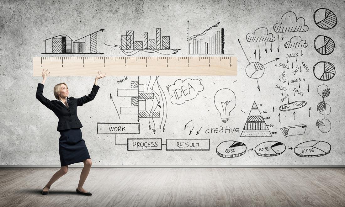 尺子创意商务女性广告ppt背景图片下载_幻灯片模板