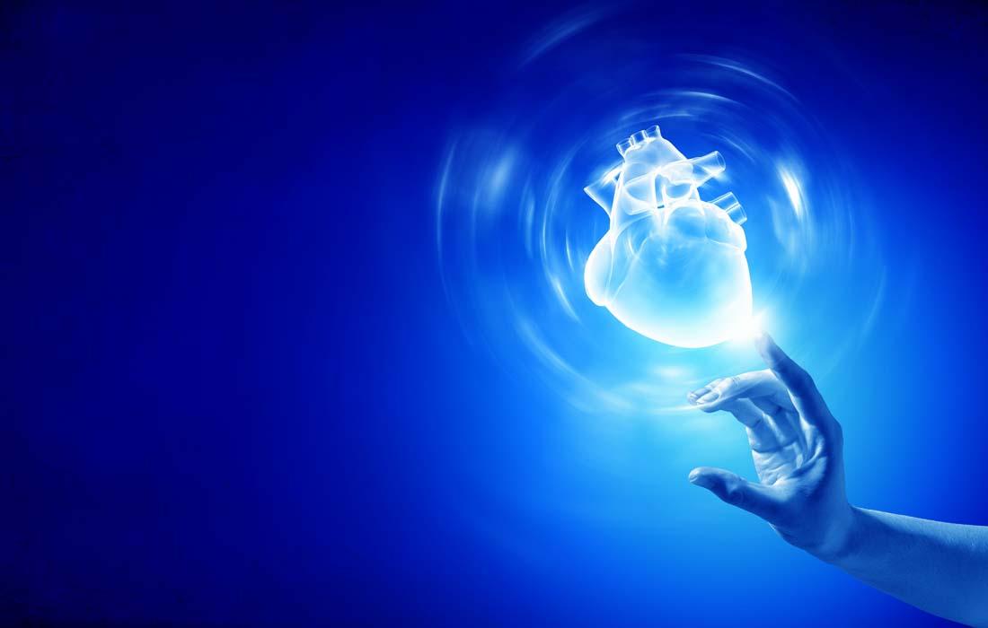心脏创意广告PPT背景图片免费下载是由PPT宝藏(www.pptbz.com)会员zengmin上传推荐的商务PPT背景图片, 更新时间为2016-09-25,素材编号103422。 心脏是 脊椎动物器官之一。是循环系统中的动力。人的心脏基本上和本人的拳头大小一样,外形像桃子,心尖偏向左。位于横膈之上,纵膈之间,胸腔中部偏左下方,两肺间而偏左。主要由心肌构成,有左心房、左心室、右心房、右心室四个腔。左右心房之间和左右心室之间均由间隔隔开,故互不相通,心房与心室之间有瓣膜,这些瓣膜使血液只能由心房流入心室,