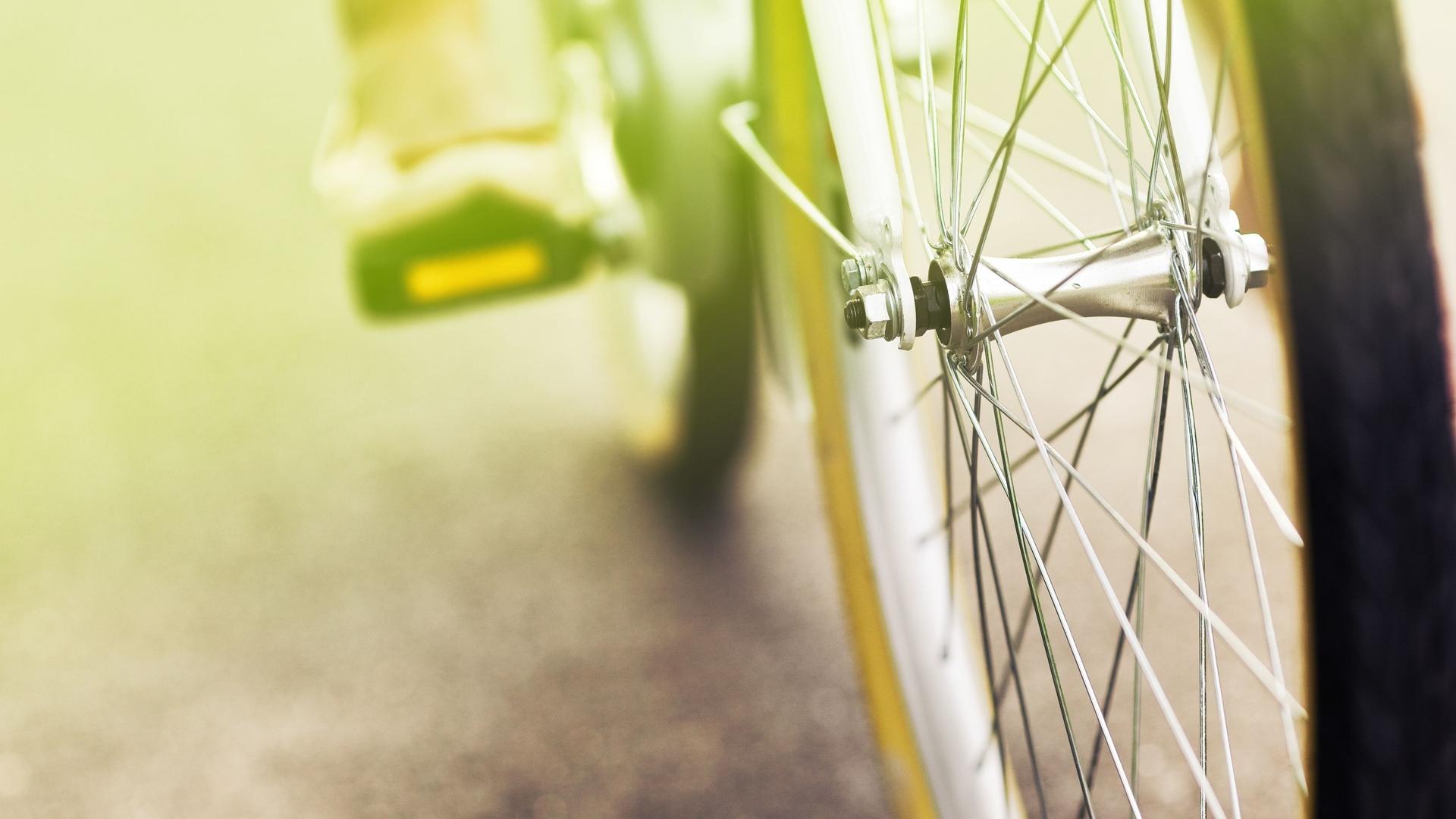 文艺小清新自行车轮ppt背景图片下载图片