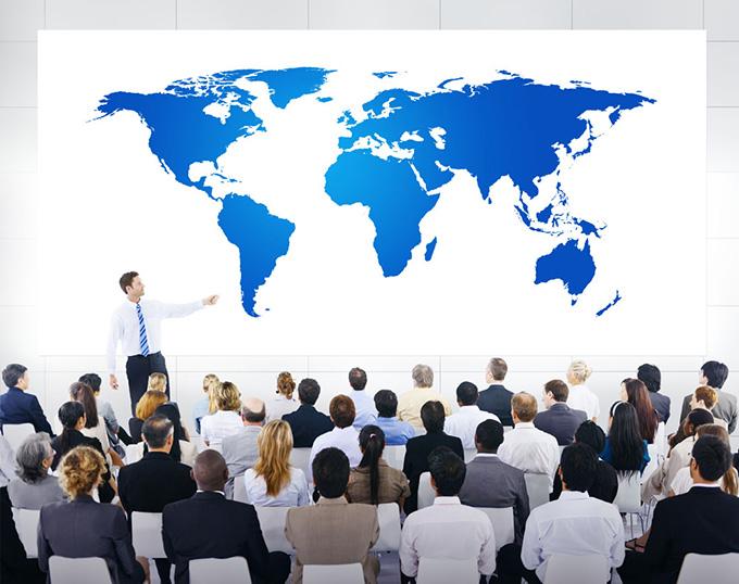 下载_正在开会的商务团队ppt背景图片下载