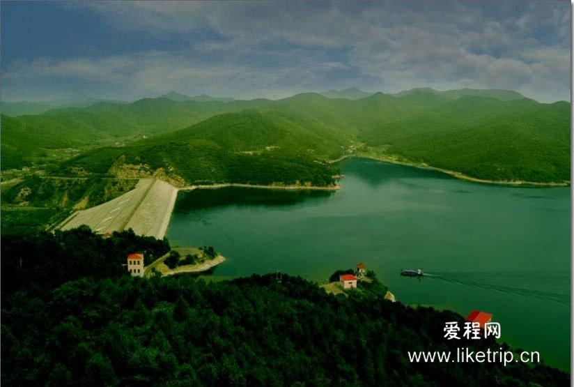 汤河风景区ppt背景图片下载