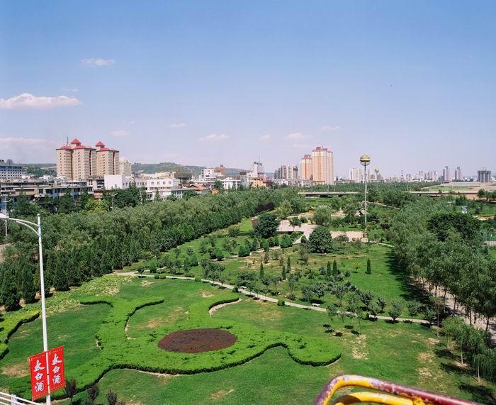 首页 ppt背景 风景ppt背景图片 > 渭河公园ppt背景图片  上一页:喀山
