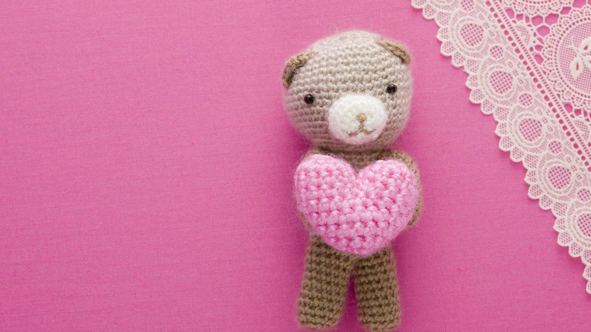 可爱的毛线小熊抱着粉色爱心ppt背景图片  上一页:精选绿色护眼小清新
