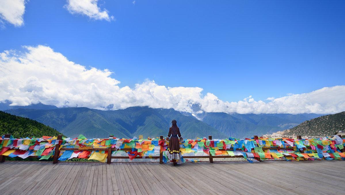 首頁 ppt背景 風景ppt背景圖片 > 迪慶藏族自治州ppt背景圖片  上一頁