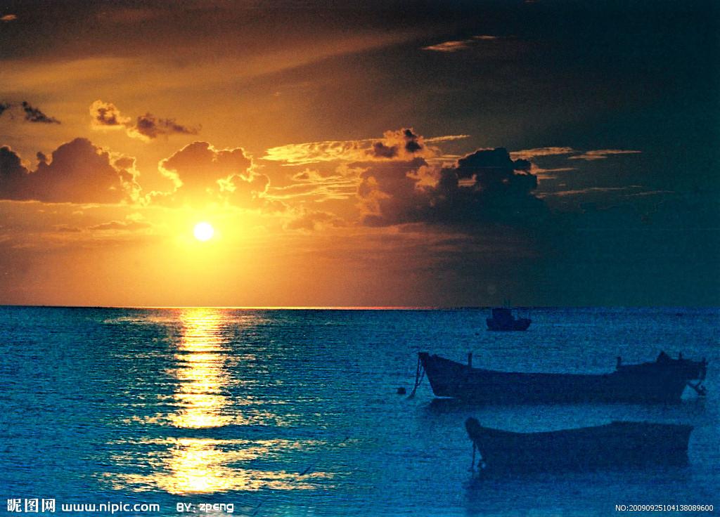 长岛PPT背景图片免费下载是由PPT宝藏(www.pptbz.com)会员zengmin上传推荐的风景PPT背景图片, 更新时间为2016-10-15,素材编号106219。 长岛县为烟台市下辖县,因境内有长山岛而得名。由32个岛屿和66个明礁以及8700平方千米海域面积组成,其中有居民岛屿10个。长岛县是山东省唯一的海岛县,位于胶东、辽东半岛之间,在黄渤海交汇处,地处环渤海经济圈的连接带,东临韩国、日本。长岛县最大的岛屿为南长山岛,它位于长岛县的南端,地理坐标为3755N,12044E。最长处