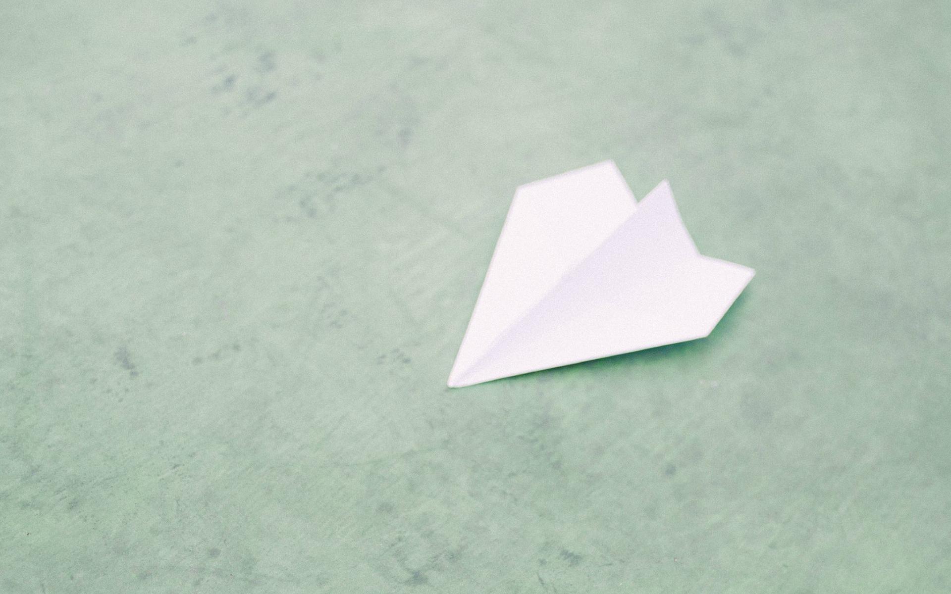 非主流日系纸飞机ppt背景图片下载_幻灯片模板免费下载
